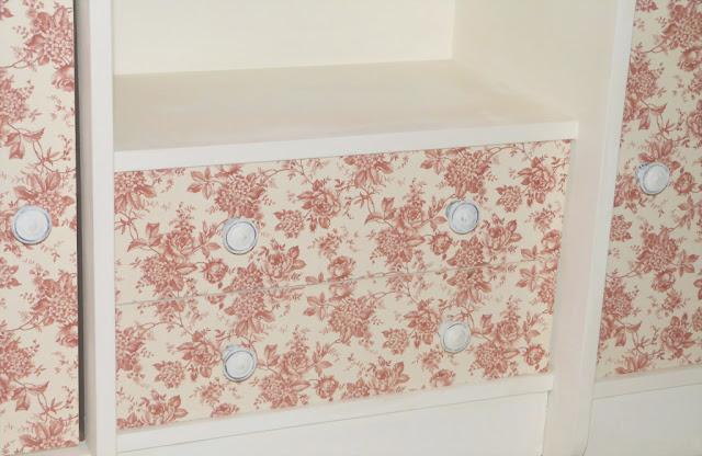 mueble-recibidor-antiguo-cajones-decoupage