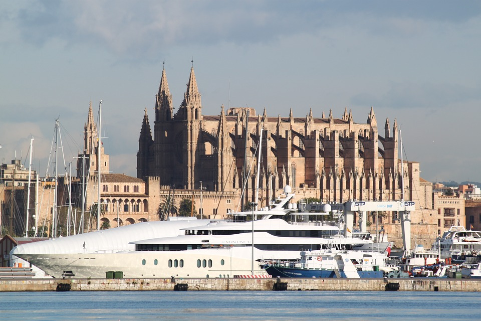 Med Cruises: A Holiday of Multi-cultural Experiences
