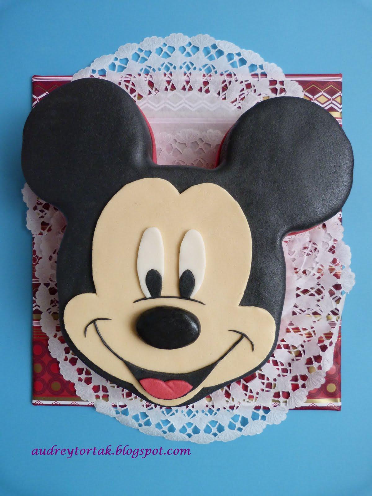 miki egér torta képek Egy szelet tortát?: Mickey egér torta miki egér torta képek