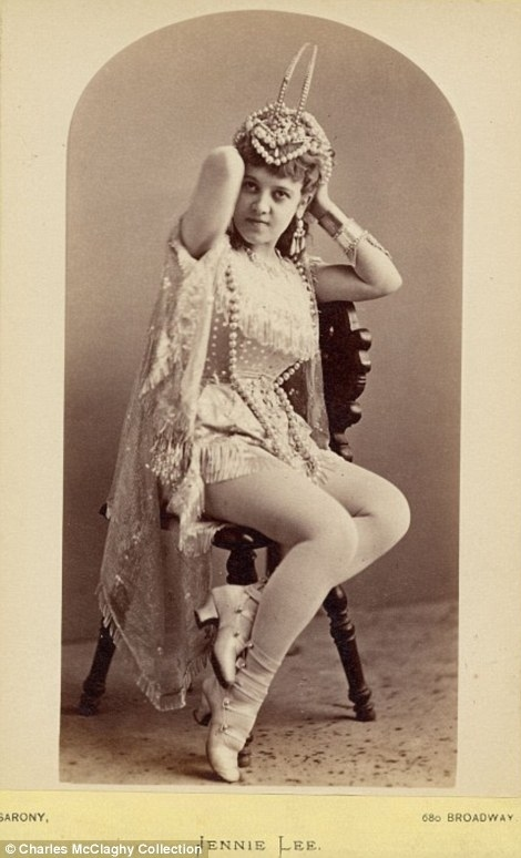 Vintage Burlesque Photos From The 1890S  Vintage Everyday-3367