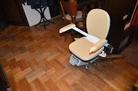 Obracane siedzisko w krzesełku schodowym