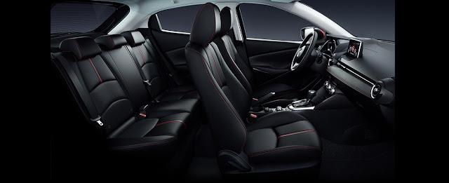 Khoang ca-bin của xe Mazda 2 có thiết kế khá giống với các dòng xe Mazda khác, đặc biệt là Mazda3