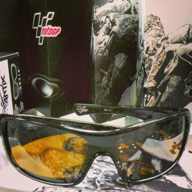 6aad7a62cf 精明眼鏡公司  Oakley Antix Sunglasses Moto Gp Signature Polished Black Tungsten  Iridium
