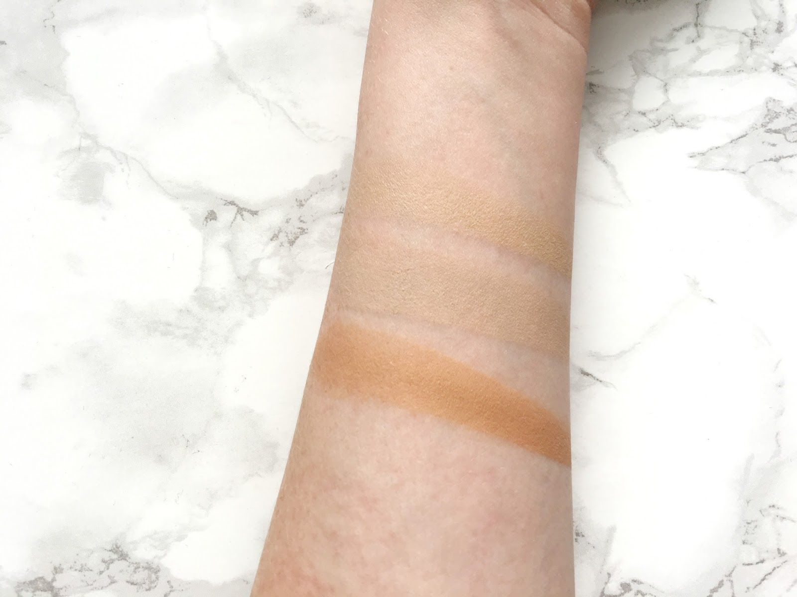 Rimmel #Insta Conceal and Contour Palette Light Swatches