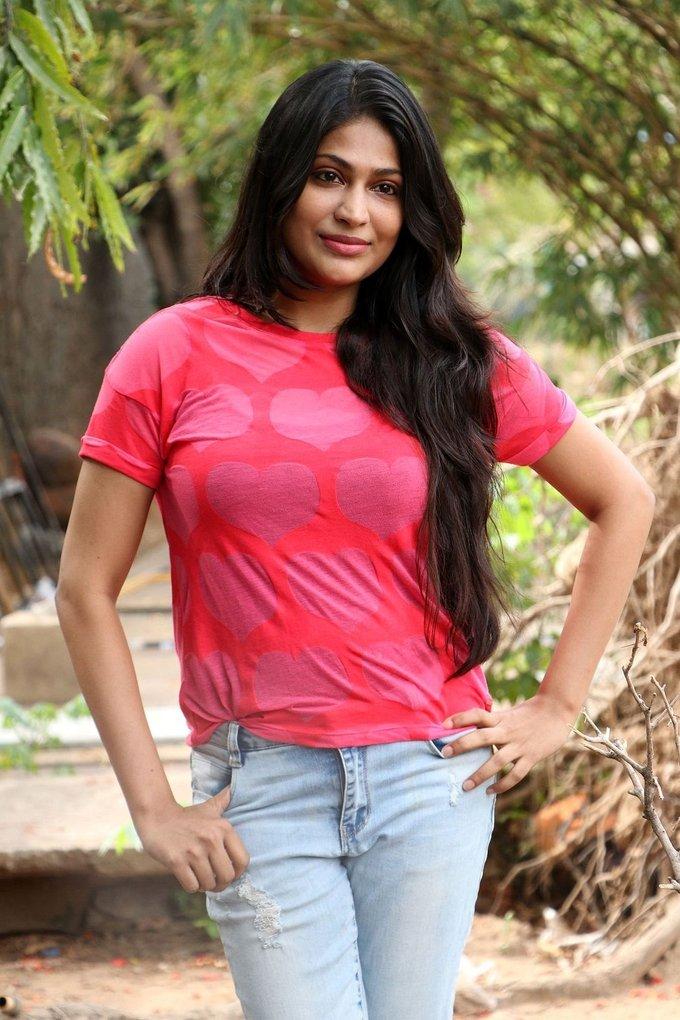 Beautiful Tamil Girl Vijayalakshmi Long Hair Photos In Pink Top Jeans