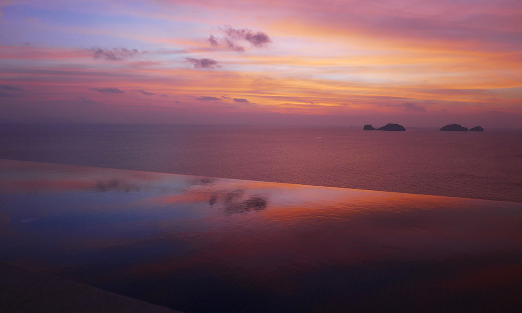 Euriental | fashion & luxury travel | sunset at Conrad Koh Samui