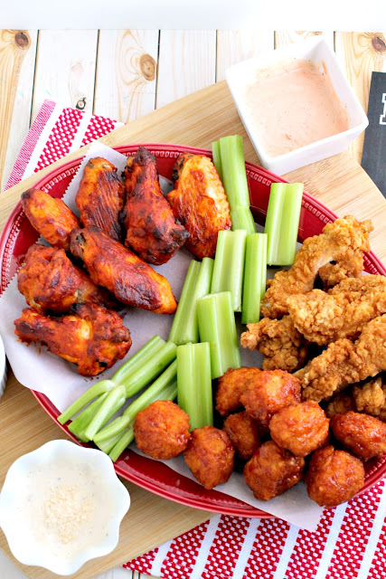 Whip up a snack platter that is sure to score a touchdown at your next game day get-together with these 3 Easy Steps to a Crowd-Pleasing Homegating Platter.