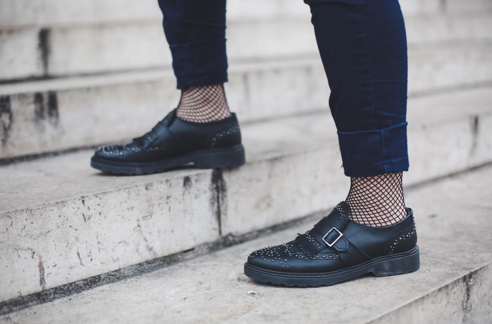 mocassins chaussettes résilles