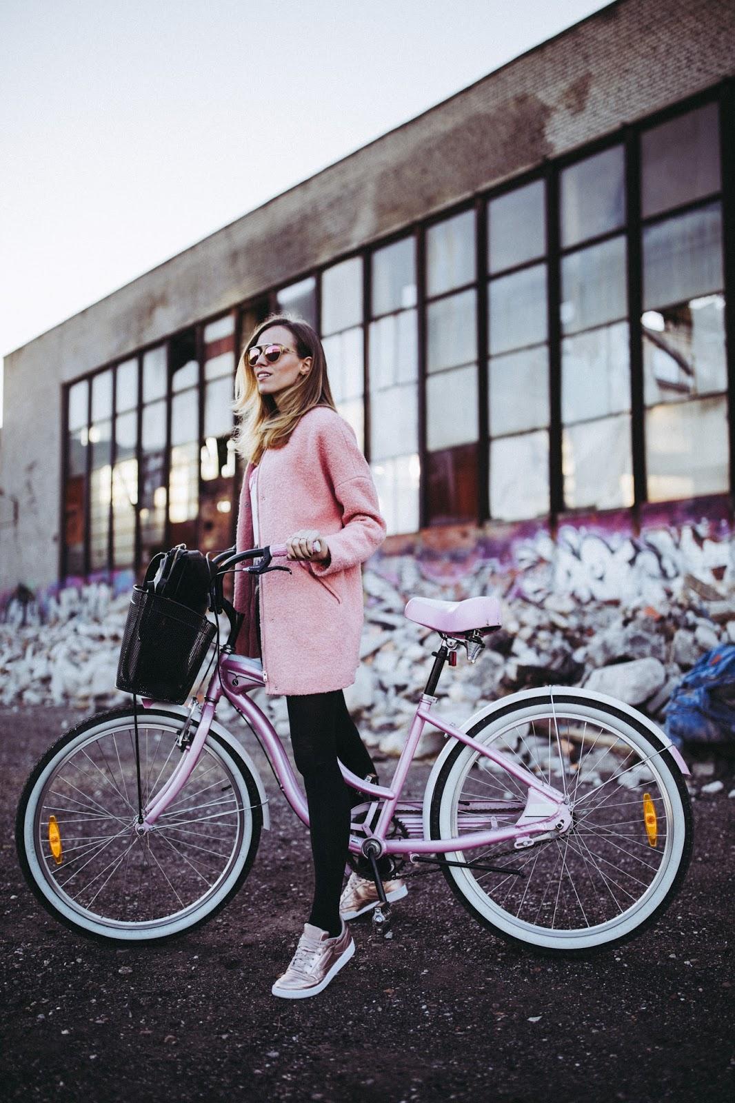 girl bike fall outfit