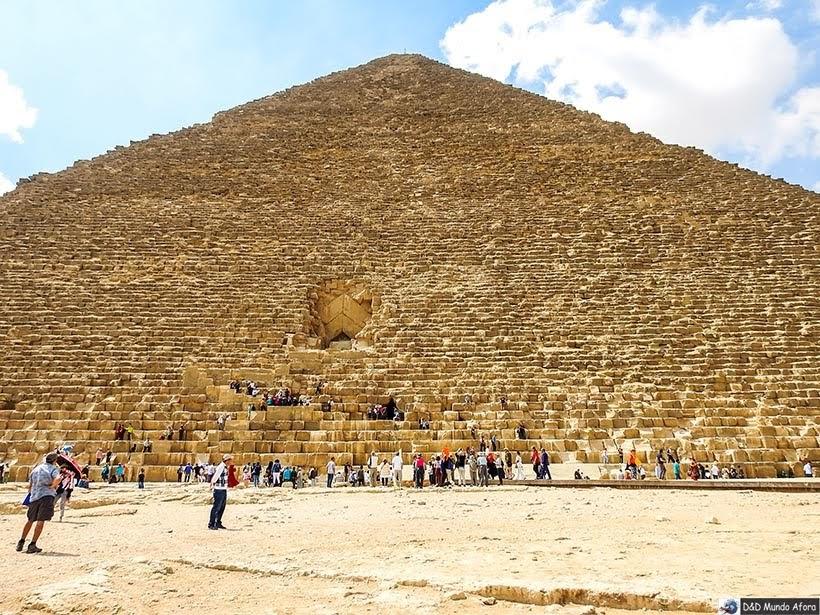 Pirâmide de Quéops no Complexo de Gizé - Pirâmides do Egito por dentro