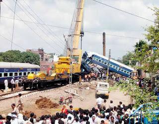 muzaffarnagar-rail-accident-caution-board-warning-did-not-take-seriously