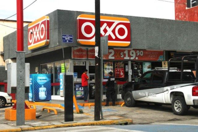 Asaltan un OXXO