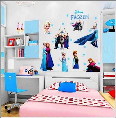 Wallpaper Dinding Kamar Tidur Anak Perempuan Motif Frozen