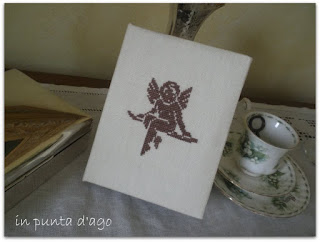 http://silviainpuntadago.blogspot.it/2010/06/trasforma-il-lino-ecr-in-regalo.html