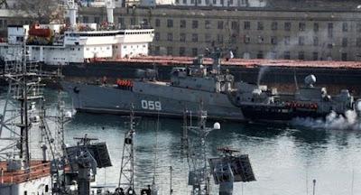 Путин предложил вернуть Украине испорченную военную технику из Крыма