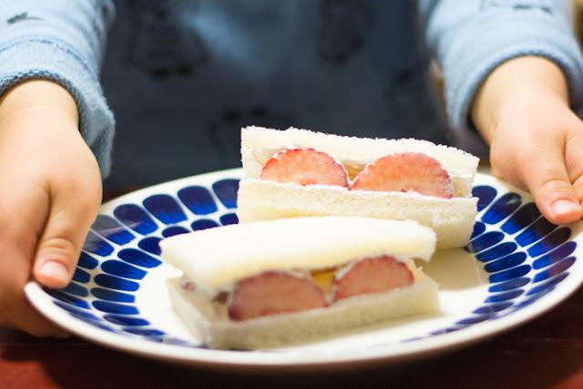 làm món sandwich