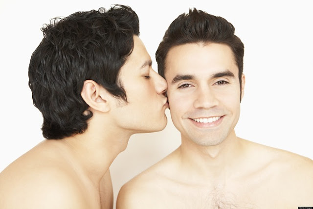 8 lý do khiến các chàng gay thích tìm bạn trung niên