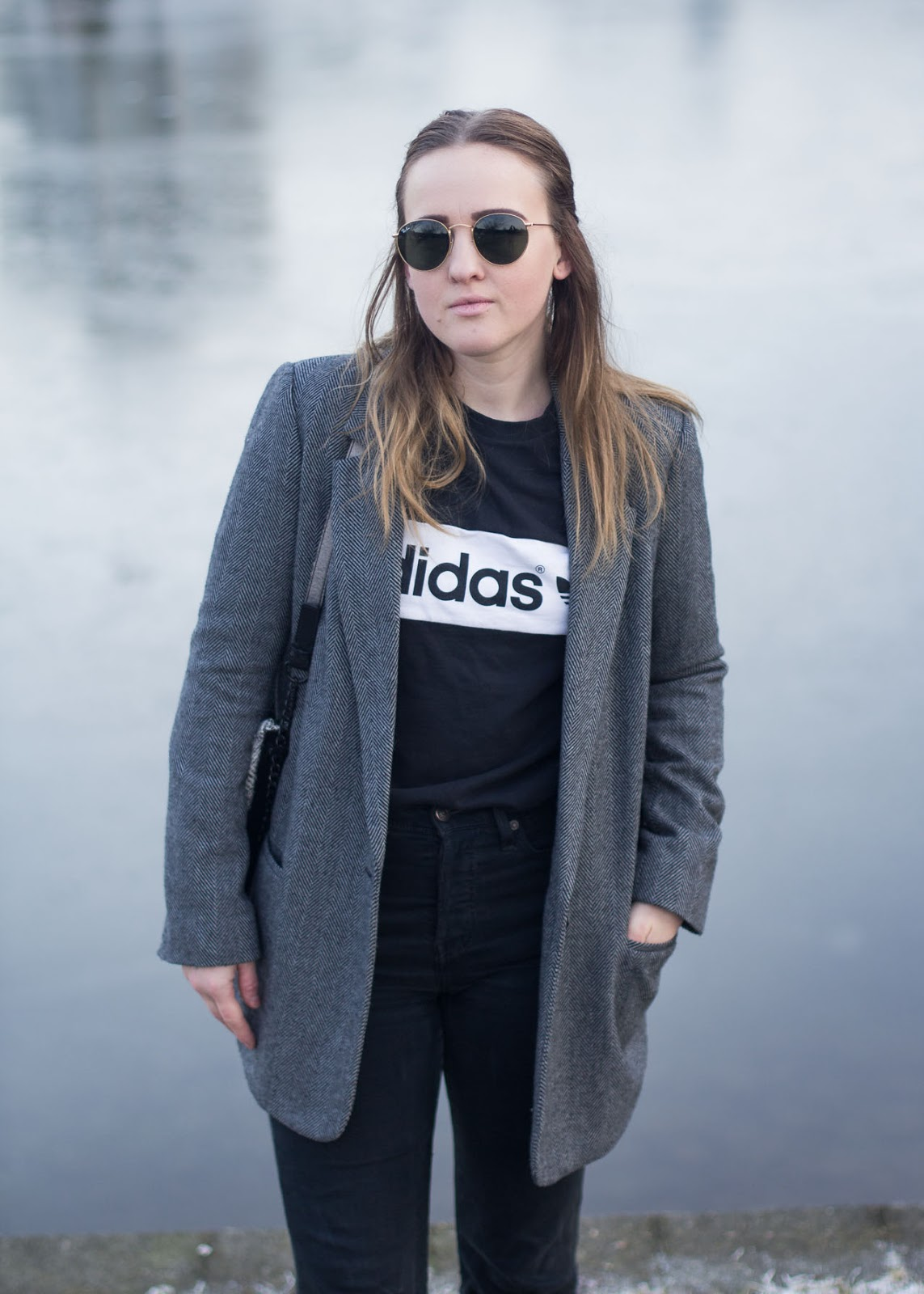 Zara blazer - Adidas sweater - Levi's jeans - Ray-Ban sunglasses - outfit and wish list