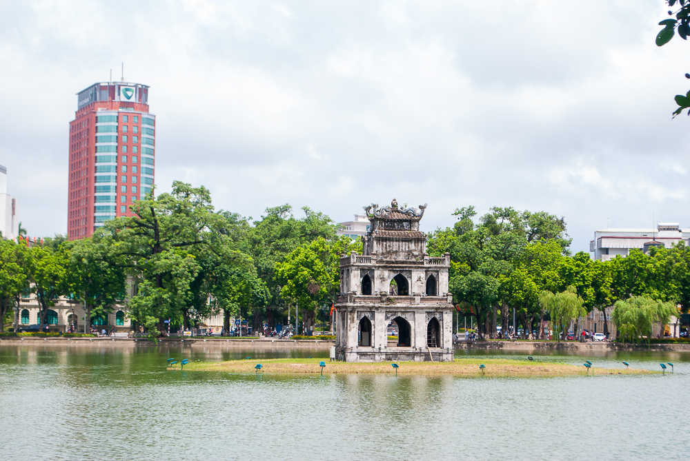temple structure in hanoi lake