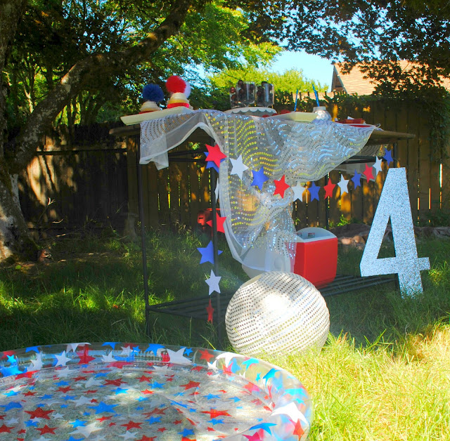 Throw yourself a 4th of July Disco party. Inspiration found at www.FizzyParty.com