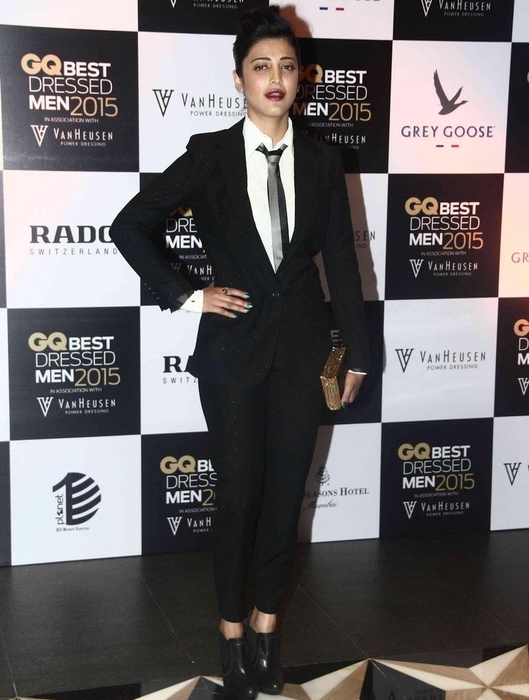 Bollywood Movie Actress Shruti Haasan In Black Suit