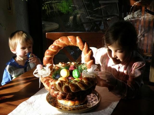 Osterkorb aus Hefeteig backen und flechten