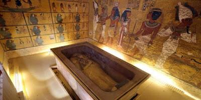 Ο τάφος του Τουταγχαμών μπορεί να κρύβει τα λείψανα της βασίλισσας Νεφερτίτης;