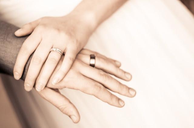 Mimpi Menikah Dengan Orang Lain