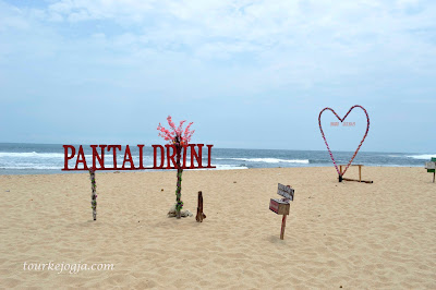 Foto Spot di Pantai Drini