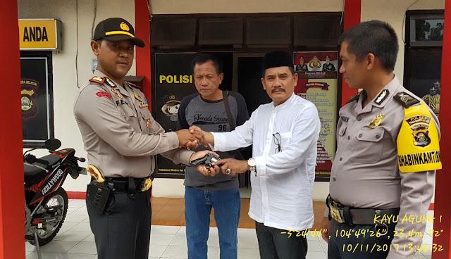 Tokoh Masyarakat Tanjung Rancing Bawa Senpi
