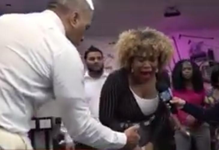 """Video: """"Profeta"""" rocía vagina de feligresa con insecticida para apagar el """"fuego del pecado"""""""