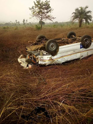"""So many people died but we came out by his grace""- Lady and her mother survives, others killed in fatal accident along Benin-Agbor road (photos)"