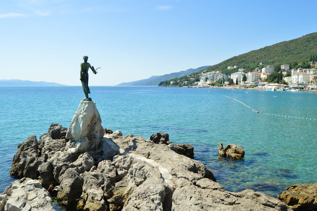Opatija- Maiden with the seagull 3