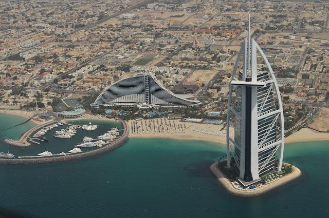 Antigos oficiais da CIA foram recrutados para ajudar os Emirados Árabes Unidos a modernizar suas operações de inteligência e finalmente criar sua própria versão da CIA.