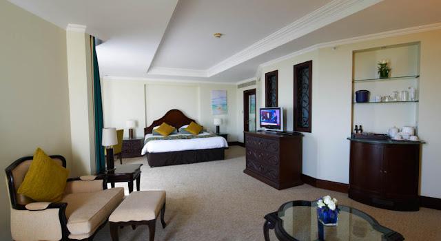 فندق شاطئ جبل