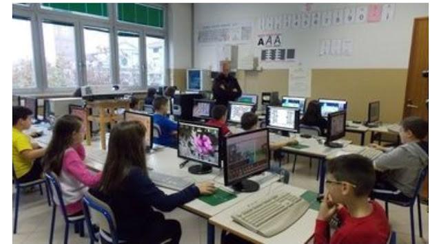 """بيروجيا: غضب شديد بسبب إرغام معلم تلميذا صغيرا ذو بشرة سوداء في ركن القسم ووصفه أمام الأخرين ب """"القبيح"""""""