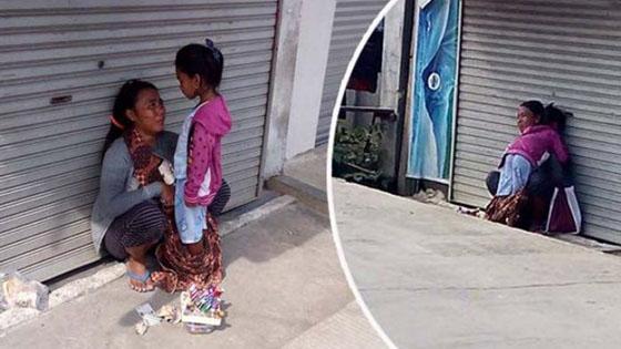 Foto Ibu Berbagi Roti Dengan Anaknya Bikin Netizen Iba