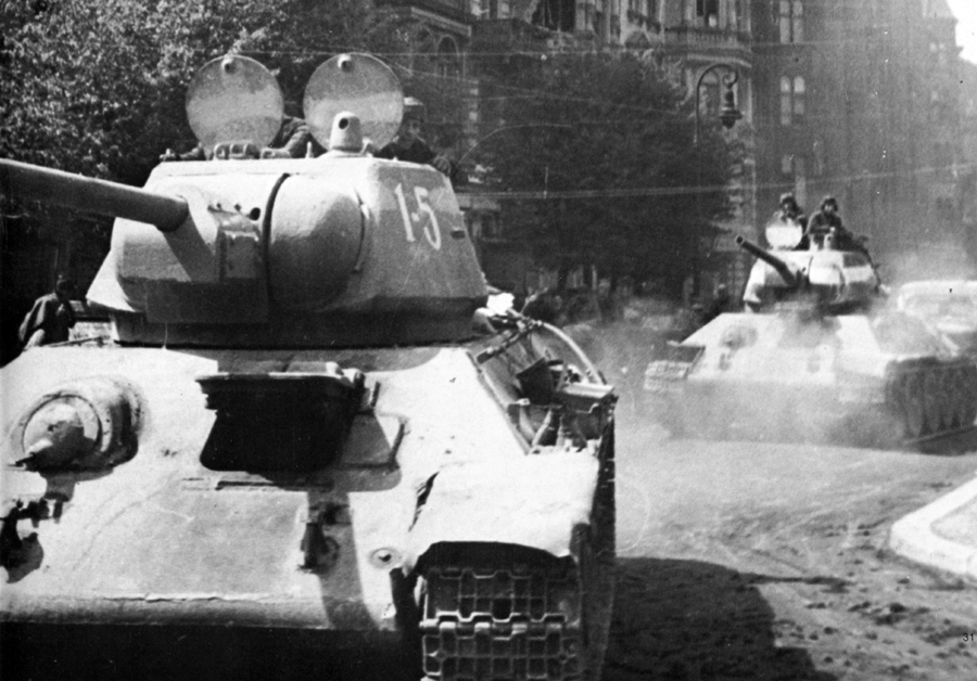 BERLIN. 1945 File011