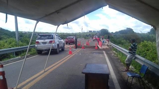 Veículos de até 3.500 quilos podem passar na Ponte do Retiro, liberada parcialmente.