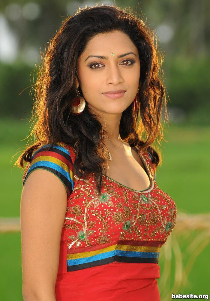 Indian Actress South Indian Actress Mamta Mohandas Boobs -7571