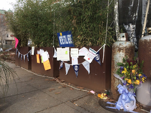 Community support for Comet Ping Pong