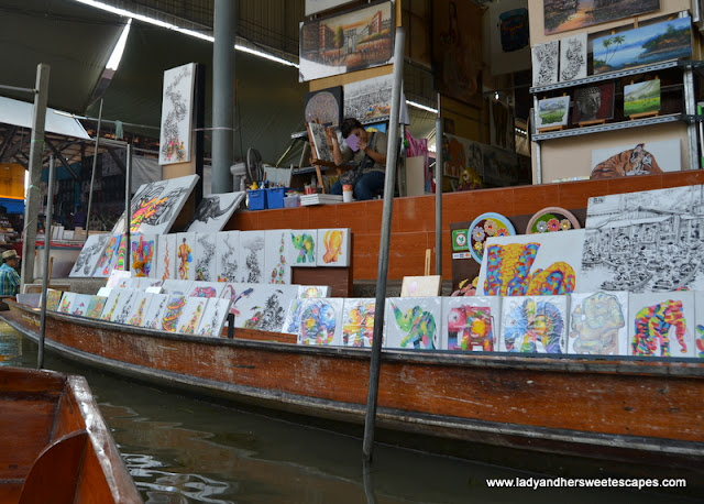 paintings at Damnoen Saduak floating market