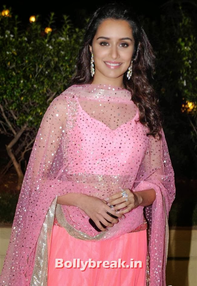 Shradha Kapoor, Bollywood Babes at Vishesh Bhatt Wedding Reception