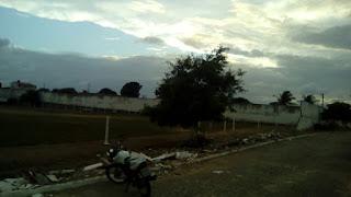 SOBRADO: Ventania forte derruba muro do Estádio O Pereirao; veja as fotos