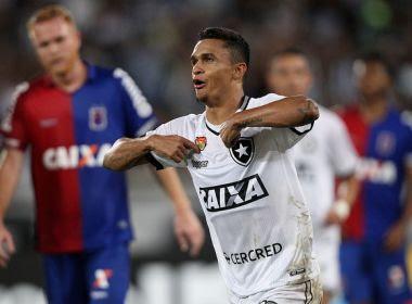 atacante Erik, que pertence ao Palmeiras