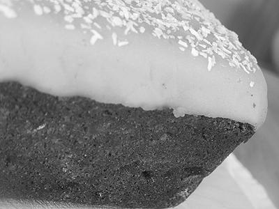 Black Wrap Cake