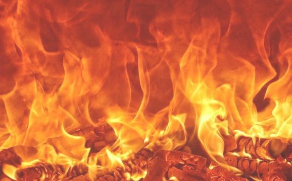 Enam Fakta Api Neraka yang Buat Ingin Taubat