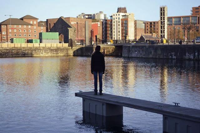 Garota em Liverpool