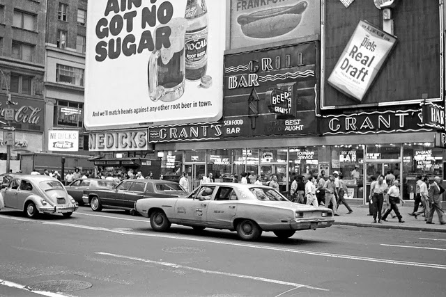 Black & Whhite Photos of New York City in 1971 ~ vintage everyday