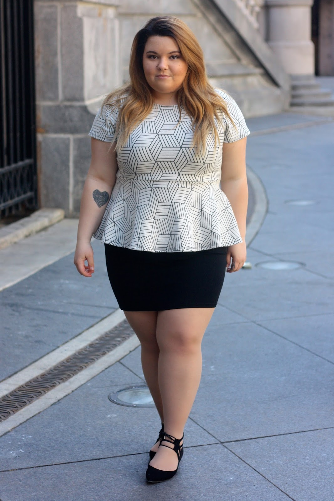 plus size, peplum top, plus size fashion, natalie craig, natalie in the city, chicago, river walk, black pencil skirts, plus size office attire, ballet flats, nine west